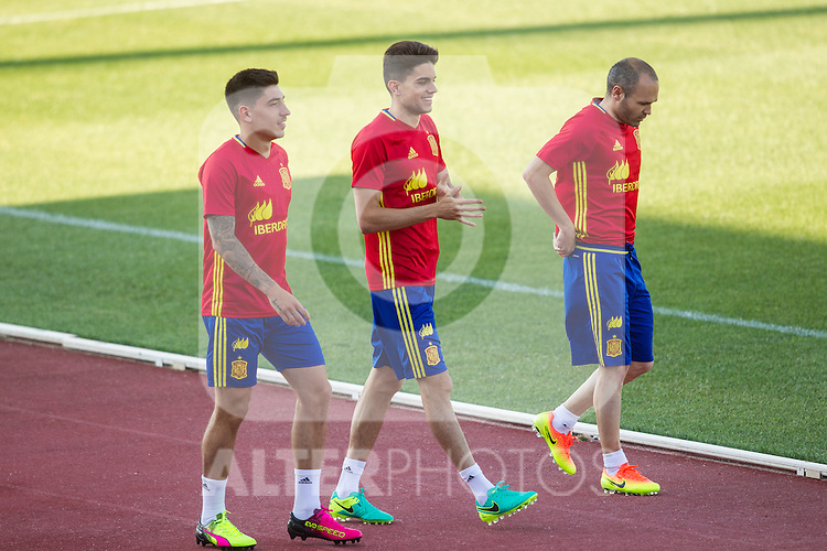 Spain's Hector Bellerin, Marc Bartra and Andres Iniesta during the first training of the concentration of national soccer team before the Uefa Euro 2016.  Jun 4,2016. (ALTERPHOTOS/Rodrigo Jimenez)
