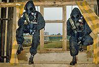 - exercise of  special anti-terrorism unit SAS (Special Air Service)....- esercitazione del reparto speciale antiterrorismo SAS (Special Air Service)