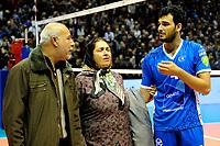 GRONINGEN - Volleybal, Abiant Lycurgus - Luboteni, voorronde Champions League, seizoen 2017-2018, 26-10-2017 Lycurgus speler Hossein Ghanbari met zijn ouders na twee jaar