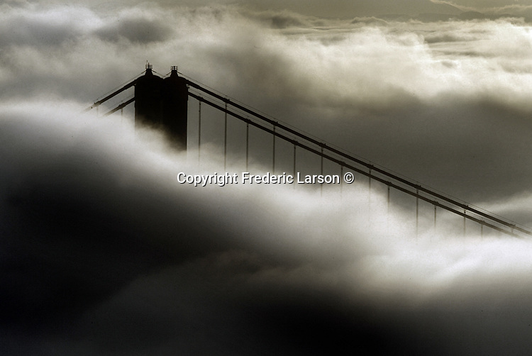 The sunrise and early morning fog made the San Francisco skyline a pictorial of beauty.