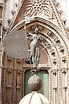 El Giraldillo weathervane Statue outside the cathedral, Seville, Spain