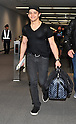 Singer Hunter Hayes arrives in Japan