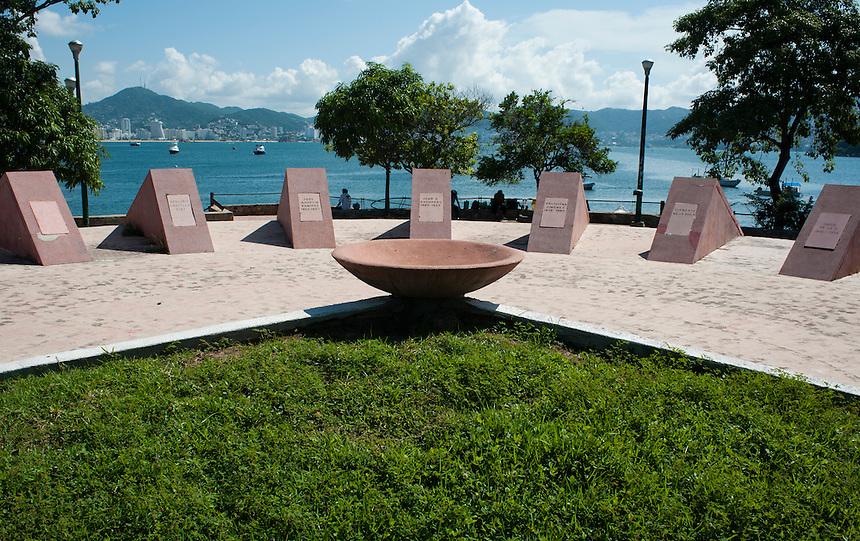 Rotonda de los Ilustres Guerrerenses Acapulco, Guerrero, Mexico