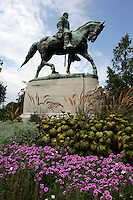 Robert e Lee park honors the general with a statue in Charlottesville, Va. Credit Image: © Andrew Shurtleff