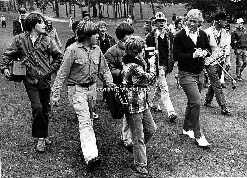 Young fans following and film Jack Nicklaus during his round.(Jan 24,1973 photo by Ron Riesterer)