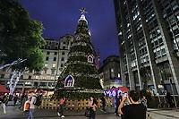 09.12.2019 - Árvore de Natal na Praça do Patriarca em SP