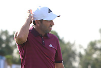 Sergio Garcia (ESP) on the 18th green during Round 4 of the DP World Tour Championship 2017, at Jumeirah Golf Estates, Dubai, United Arab Emirates. 19/11/2017<br /> Picture: Golffile | Thos Caffrey<br /> <br /> <br /> All photo usage must carry mandatory copyright credit     (© Golffile | Thos Caffrey)