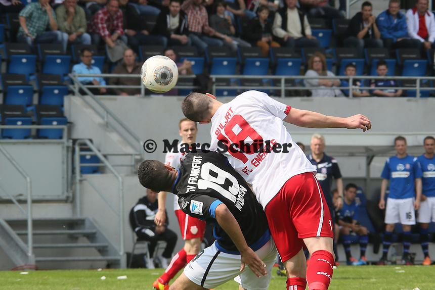 Jurica Buljat (Cottbus) klaert gegen Andrew Wooten (FSV) - FSV Frankfurt vs. FC Energie Cottbus, Frankfurter Volksbank Stadion