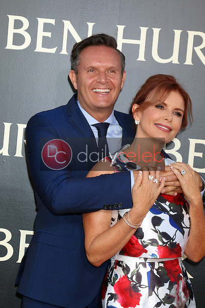 Mark Burnett, Roma Downey<br /> at the &quot;Ben-Hur&quot; Premiere, TCL Chinese Theater IMAX. Hollywood, CA 08-16-16<br /> David Edwards/DailyCeleb.com 818-249-4998
