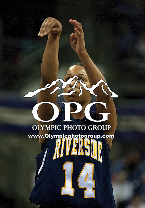December 12, 2010:  UC Riverside's #14 Tre'Shonti Nottingham shoots  free throw against Washington.  UC Riverside defeated Washington 59-54 at Hec Edmundson Pavilion in Seattle, WA.