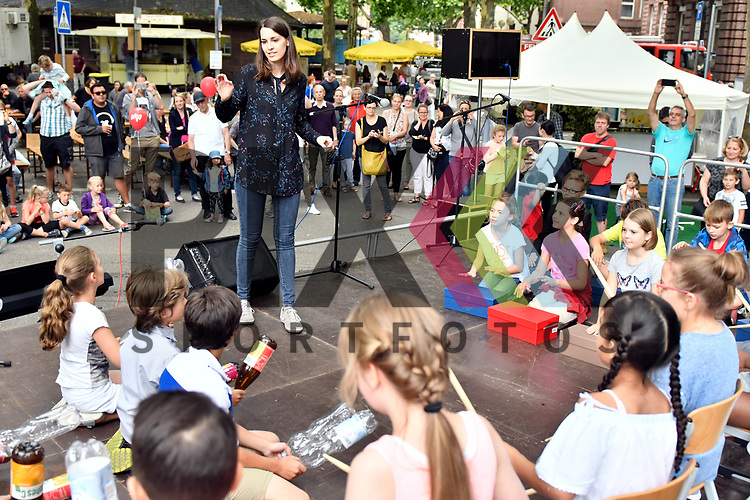Mannheim 15.07.17 Beginn des Stadtteilfestes Schwetzingerstadt/Oststadt in der Otto-Beck-Strasse im Bild die 3b der Oststadt.<br /> <br /> Foto &copy; Ruffler For editorial use only. (Bild ist honorarpflichtig - No Model Release!)