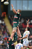 Luke Hamilton of Leicester Tigers rises high to win lineout ball. Aviva Premiership match, between Leicester Tigers and Exeter Chiefs on September 30, 2017 at Welford Road in Leicester, England. Photo by: Patrick Khachfe / JMP