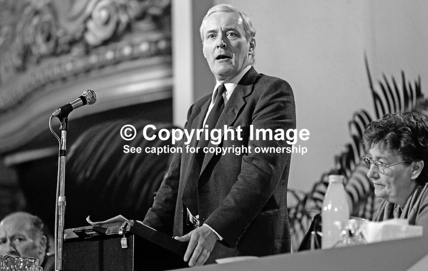 Tony Benn, aka Anthony Wedgwood Benn, MP, former government minister, Labour Party, UK, addressing annual conference September 1982. 19820900140TB1.<br />