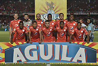 CALI - COLOMBIA, 02-05-2019: Jugadores del América posan para una foto previo al partido por la fecha 19 de la Liga Águila I 2019 entre América de Cali y Cúcuta Deportivo jugado en el estadio Pascual Guerrero de la ciudad de Cali. / Players of America pose to a photo prior match for the date 19 as part of Aguila League I 2019 between America de Cali and Cucuta Deportivo played at Pascual Guerrero stadium in Cali. Photo: VizzorImage / Gabriel Aponte / Staff