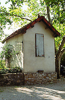 vineyard hut chateau du trignon rhone france