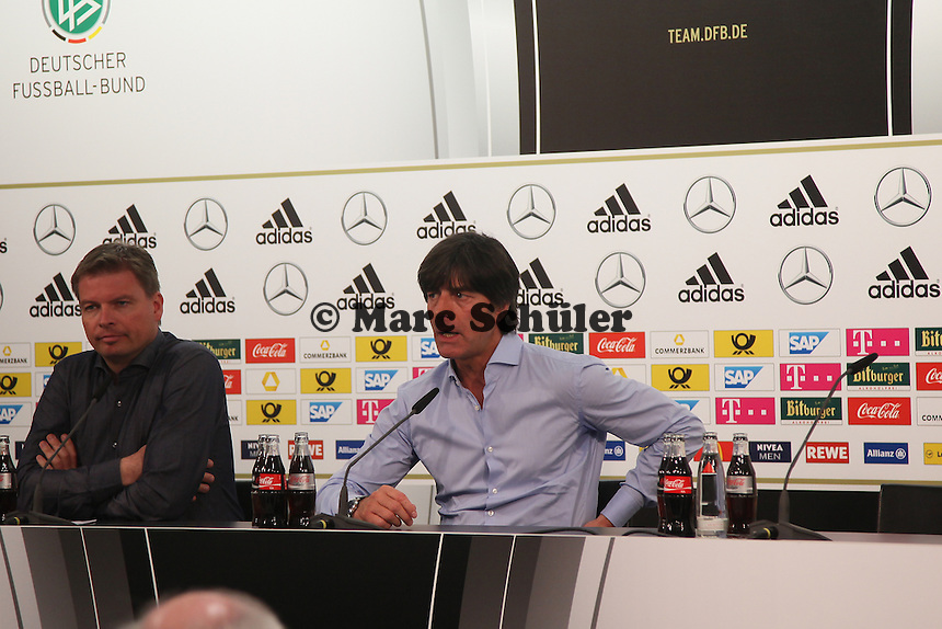 Bundestrainer Joachim Löw - Deutschland vs. Kamerun, Mönchengladbach