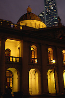 Hongkong, Legco-Gebäude vor Bank of China