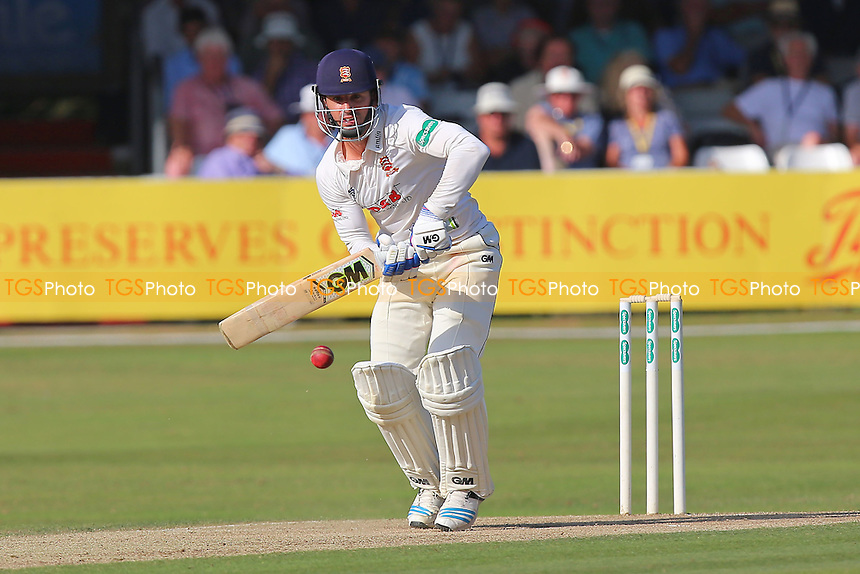 Ryan ten Doeschate in batting action for Essex during Essex CCC vs Glamorgan CCC, Specsavers County Championship Division 2 Cricket at the Essex County Ground on 13th September 2016