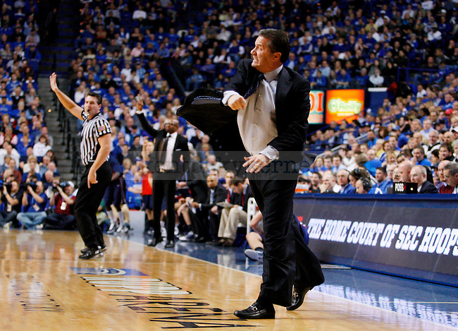 Uk head coach John Calipari yells at his players after calling a time out in the first half of UK's win over the Penn Quakers at Rupp Arena on Jan. 3, 2011. Photo by Britney McIntosh | Staff