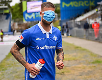 Tobias Kempe (SV Darmstadt 98) nach dem Spiel<br /> <br /> - 23.05.2020: Fussball 2. Bundesliga, Saison 19/20, Spieltag 27, SV Darmstadt 98 - FC St. Pauli, emonline, emspor, v.l. <br /> <br /> Foto: Florian Ulrich/Jan Huebner/Pool VIA Marc Schüler/Sportpics.de<br /> Nur für journalistische Zwecke. Only for editorial use. (DFL/DFB REGULATIONS PROHIBIT ANY USE OF PHOTOGRAPHS as IMAGE SEQUENCES and/or QUASI-VIDEO)