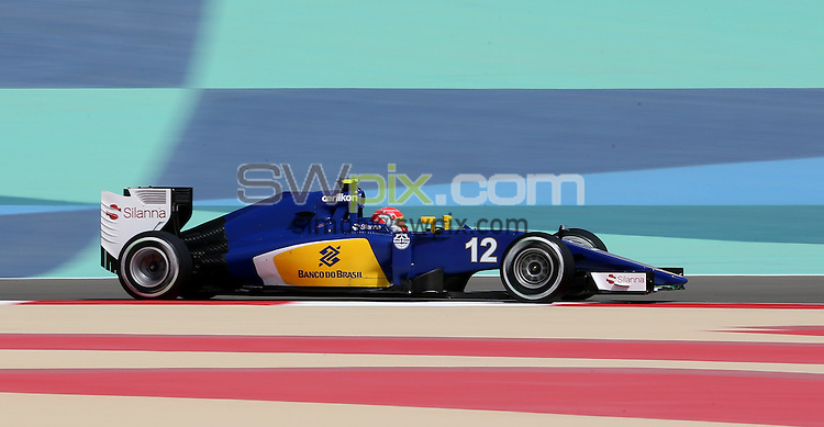 PICTURE BY MARK GREEN/SWPIX.COM - Formula 1, Bahrain International Circuit, 17-19th April 2015 <br /> The Sauber of Felipe Nasr in Bahrain