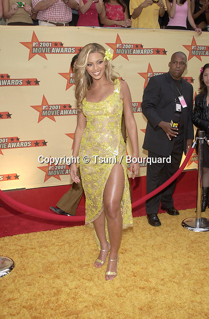 Destiny's Child's Beyonce Knowles arrives at the 2001 MTV Movie Awards held at the Shrine Auditorium in Los Angeles, CA., Saturday, June 2, 2001.  ByonceKnowles_Destiny'sCh16.JPG