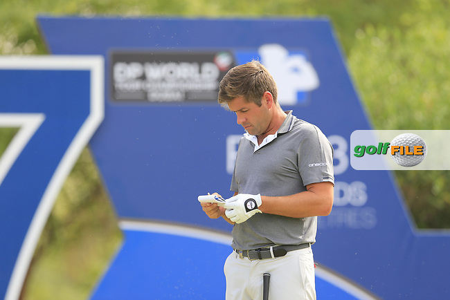 Robert Rock (ENG) on the 17th tee during the 3rd round of the DP World Tour Championship, Jumeirah Golf Estates, Dubai, United Arab Emirates. 17/11/2018<br /> Picture: Golffile | Fran Caffrey<br /> <br /> <br /> All photo usage must carry mandatory copyright credit (&copy; Golffile | Fran Caffrey)
