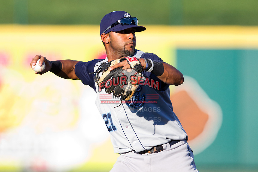 Jonathan Villar (21) of the Corpus Christi Hooks on defense during a game against the Springfield Cardinals at Hammons Field on August 13, 2011 in Springfield, Missouri. Springfield defeated Corpus Christi 8-7. (David Welker / Four Seam Images)