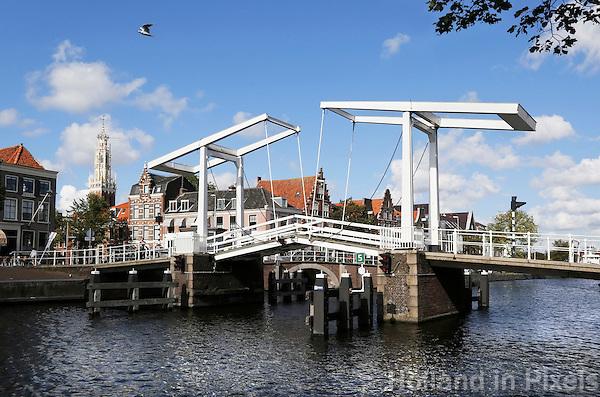 Nederland Haarlem 2015 . Ophaalbrug bij het Spaarne