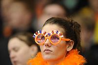 SCHAATSEN: HEERENVEEN: Thialf, Essent ISU World Cup, 03-03-2012, Schaatssupporter, Oranje, ©foto: Martin de Jong