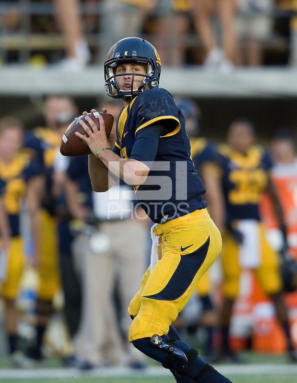 California quarterback Jared Goff prepares to throw the ball during the game against Ohio State at Memorial Stadium in Berkeley, California on September 14th, 2013.  Ohio State defeated California, 52-34.