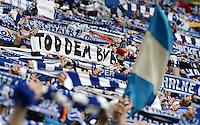FUSSBALL   1. BUNDESLIGA   SAISON 2012/2013    25. SPIELTAG FC Schalke 04 - Borussia Dortmund                         09.03.2013 Schalke Fans mit einem Banner: TOD DEM BVB