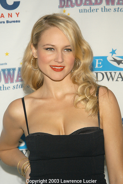 NEW YORK - JUNE 16: Recording artist Jewel appears at Broadway Under The Stars June 16, 2003, in Bryant Park, New York City.