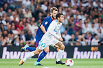 Mateo Kovacic (r) of Real Madrid battles for the ball with Ivan Rakitic of FC Barcelona during their Supercopa de Espana Final 2nd Leg match between Real Madrid and FC Barcelona at the Estadio Santiago Bernabeu on 16 August 2017 in Madrid, Spain. Photo by Diego Gonzalez Souto / Power Sport Images
