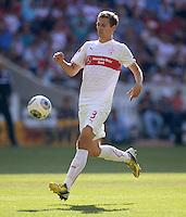 Fussball  1. Bundesliga  Saison 2013/2014  2. Spieltag VfB Stuttgart - Bayer Leverkusen     17.08.2013 Daniel Schwaab (VfB Stuttgart)  am Ball