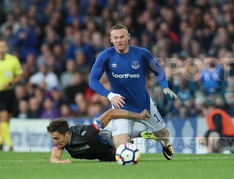 Wayne Rooney of Everton brought down by Zoran Nizic of Hajduk Split during the Europa League Qualifying Play Offs 1st Leg match at Goodison Park Stadium, Liverpool. Picture date: August 17th 2017. Picture credit should read: David Klein/Sportimage