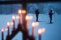 Europe/Finlande/Laponie/Levi:Luvattumaa Ice Gallery Hotel & Bar - skieurs de randonnée