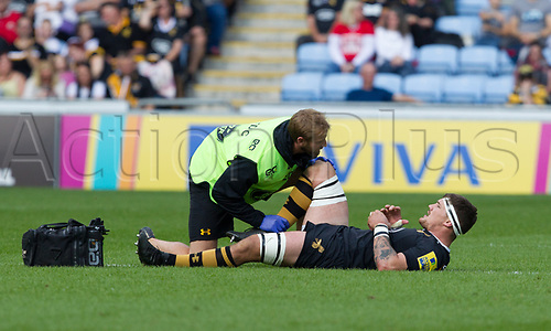 17th September 2017, Ricoh Arena, Coventry, England; Aviva Premiership rugby, Wasps versus Harlequins;  Guy Thompson (Wasps) gets medical attention and eventually has to leave the field