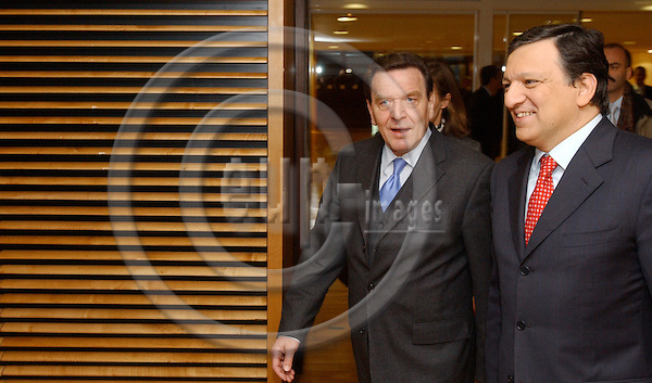 Brussels-Belgium - February 15, 2005---Gerhard SCHROEDER (Schröder)(le), Federal Chancellor of Germany, meets with Jose (José) Manuel BARROSO (ri), President of the European Commission; in the 'Berlaymont', Headquarters of the EC---Photo: Horst Wagner/eup-images