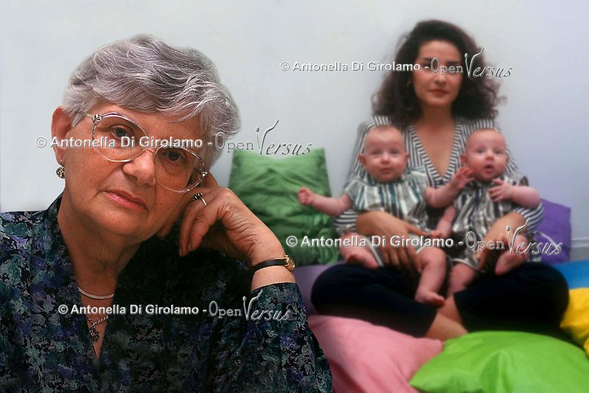 Società.Society.Famiglia.Family.......