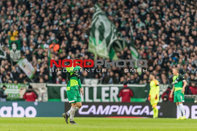 10.02.2019, Weserstadion, Bremen, GER, 1.FBL, Werder Bremen vs FC Augsburg<br /> <br /> DFL REGULATIONS PROHIBIT ANY USE OF PHOTOGRAPHS AS IMAGE SEQUENCES AND/OR QUASI-VIDEO.<br /> <br /> im Bild / picture shows<br /> Spielerwechsel Werder Bremen, Auswechslung Milot Rashica (Werder Bremen #11), Rashica wird verletzungsbedingt ausgewechselt, <br /> <br /> Foto © nordphoto / Ewert