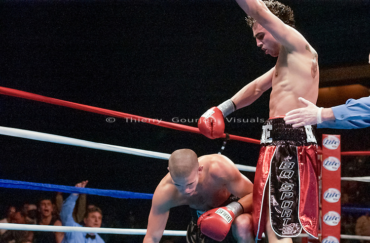 Paulie Malignaggi vs Chad Howard. Mohegan Sun Arena, Montville, Connecticut, U.S. 06/03/2003. Photo by Thierry Gourjon.