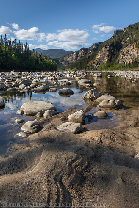 Rocky and sandy shore of the Yukon Charley Rivers National Preserve