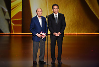 LOS ANGELES - SEPTEMBER 22:   Bob Newhart and Ben Stiller onstage at the 71st Primetime Emmy Awards at the Microsoft Theatre on September 22, 2019 in Los Angeles, California. (Photo by Frank Micelotta/Fox/PictureGroup)