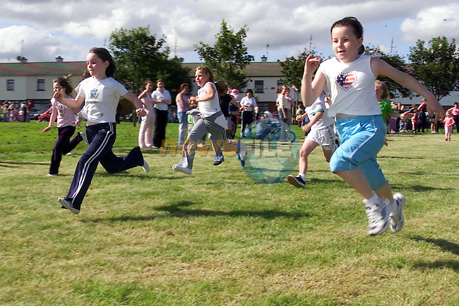 Sporting Action from the Moneymore Sports Day..Picture Fran Caffrey Newsfile...This Picture is sent to you by:..Newsfile Ltd.The View, Millmount Abbey, Drogheda, Co Louth, Ireland..Tel: +353419871240.Fax: +353419871260.GSM: +353862500958.ISDN: +353419871010.email: pictures@newsfile.ie.www.newsfile.ie