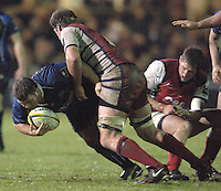 2005/06 Powergen Cup, Bath Rugby vs Gloucester Rugby, Lee Mears, breaking through the Gloucester defence, at The Rec, on the 03.12.2005.   © Peter Spurrier/Intersport Images - email images@intersport-images..