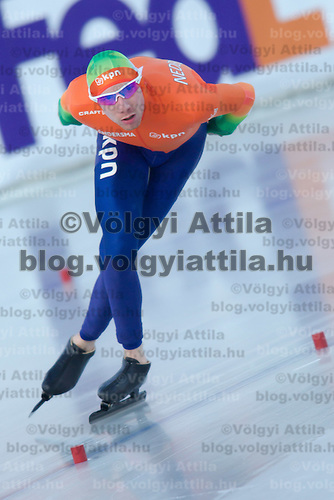 Netherlands' Ted-Jan Bloemen competes in the Men's 10000m race of the Speed Skating All-round European Championships in Budapest, Hungary on January 8, 2012. ATTILA VOLGYI