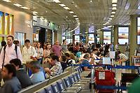 BELO HORIZONTE, BH, 11.11.2016 – AEROPORTO-BELO HORIZONTE – Movimentação no Aeroporto Internacional de Confins em Belo Horizonte, na manhã desta sexta-feira, 11.(Foto: Ricardo Botelho/Brazil Photo Press)