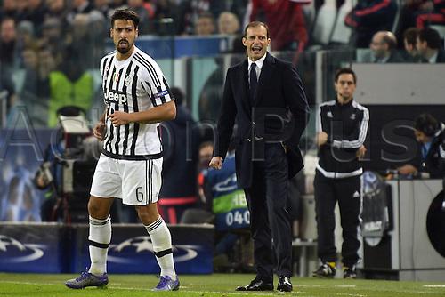 23.02.2016. Turin, Italy. UEFA Champions League football. Juventus versus Bayern Munich.  Sami Khedira, Massimiliano Allegri Juventus