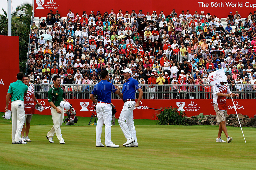 Gary Woodland and Matt Kuchar of USA during the final round of the Omega Mission Hills World Cup played at The Blackstone Course, Mission Hills Golf Club on November 27th in Haikou, Hainan Island, China.( Picture Credit / Phil Inglis )